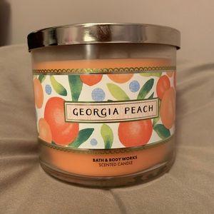 Georgia Peach 3 wick candle 🍑